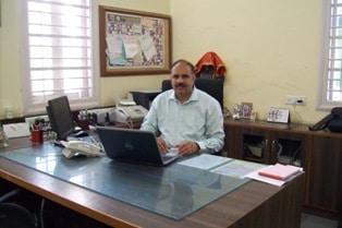 http://aghighschool.ac.in/wp-content/uploads/2015/02/Dr.-N.N.-Thakkar.jpg
